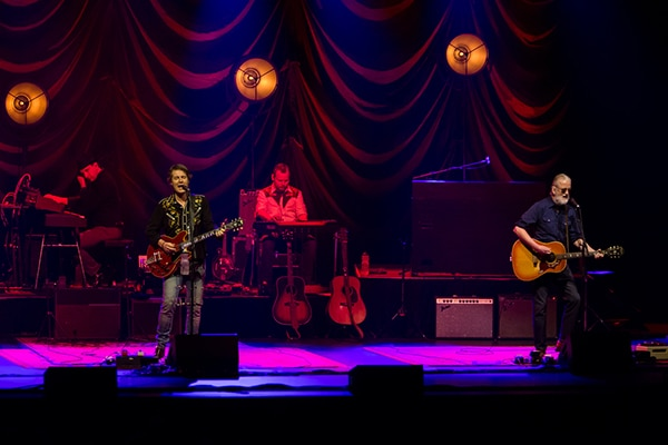 Blue Rodeo-Montreal-Captura Camera-Concert Photography-4