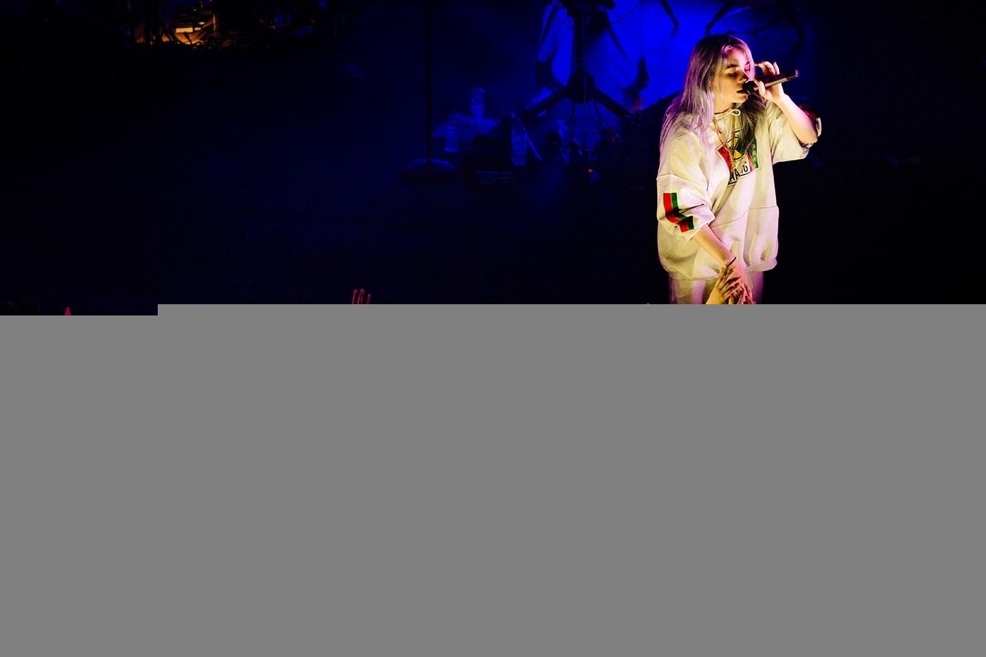 Billie Eilish Montreal Corona