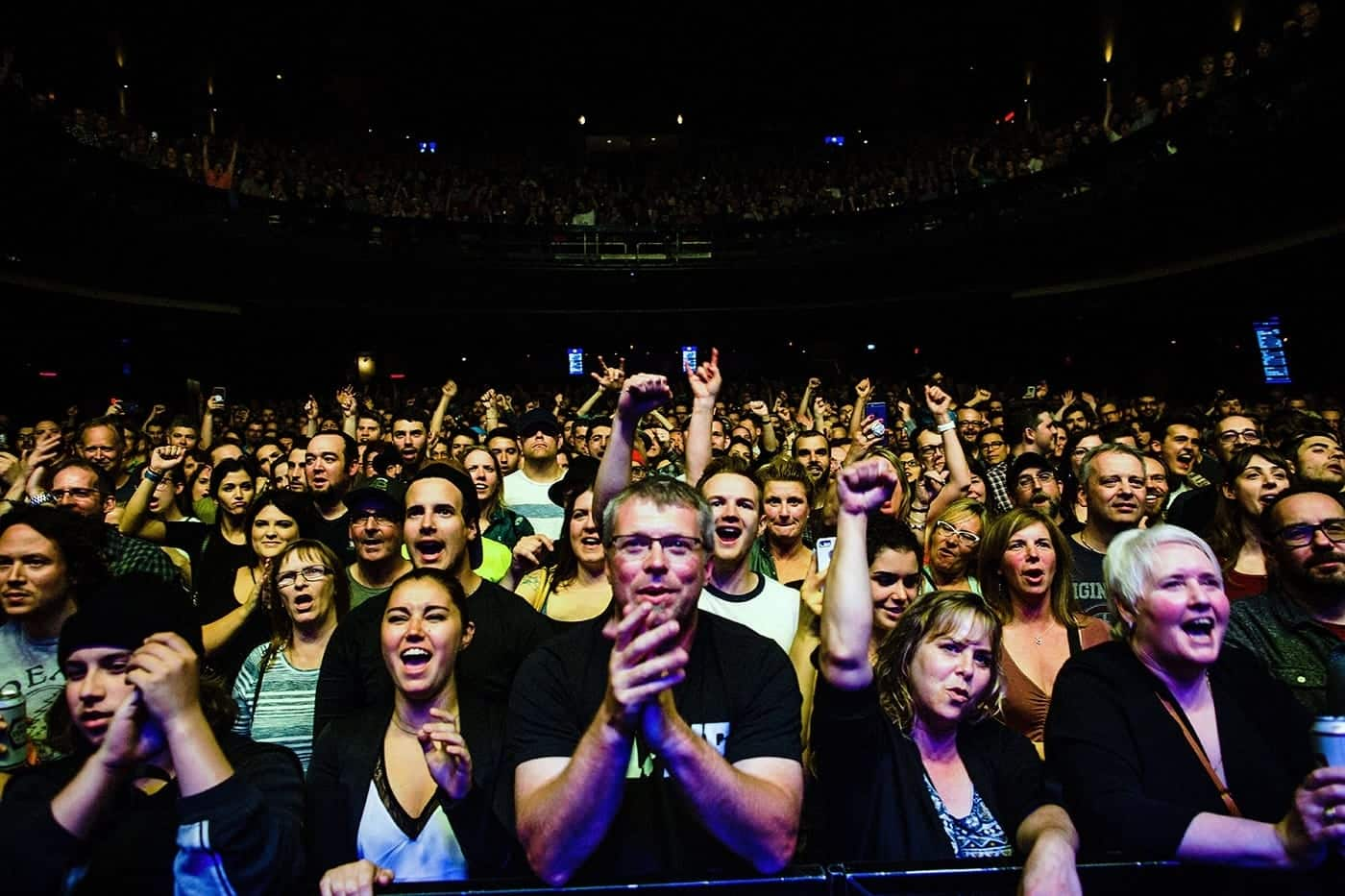 Nathaniel Rateliff & the Night Sweats crowd montreal